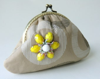 Cotton Cosmetic Bag Yellow Flower Purse Beaded Kiss Lock Purse Coin Purse Birthday Gifts Idea Bridesmaids Gift Chic Small Pouch