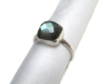 925 Sterling Silver Flashy Labradorite Gemstone stacking Ring , Chekker cut Faceted Cushion Shape Hand made jewelry Stackable gem stone Ring