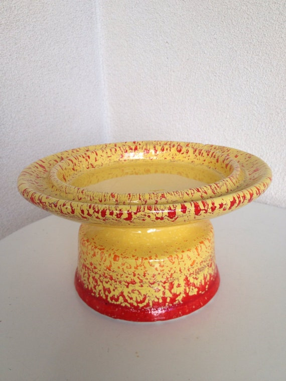 Vintage MODERN cakestand or tray pedestal YELLOW with fire
