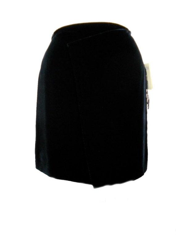 1980s Emporio Armani Velvet Skirt / Inky Black Velvet / Office Fashion / Mini Skirt / Deadstock NWT NOS / Womens Vintage Skirt / Size 40