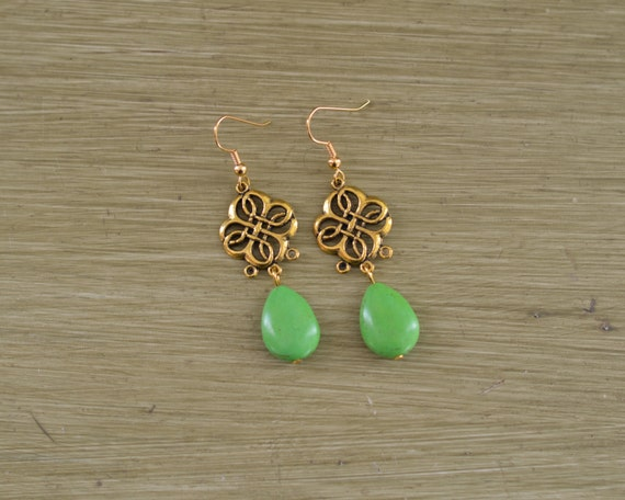 Green and Gold Teardrop Stone Earrings - Green and Gold Statement Earrings - Gold Clover Earrings