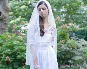 Fingertip Bridal Veil Polka Dot Ivory Swiss Dot Veil