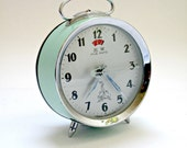 Vintage Retro Wind Up Clock in Mint Green