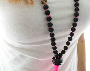 Neon Pink Tassel Necklace. Black and neon pink modern necklace. Black bohemian necklace. Long Tassel necklace