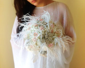 Great Gatsby Brooch bouquet, Brooch and pearl bouquet, crystal bouquet, Feather bouquet, Brooch bouquet with feathers, pink brooch bouquet