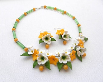 Flower Garden necklace and earrings -Yellow green jewelry - Flower jewelry - Handmade polymer jewelry