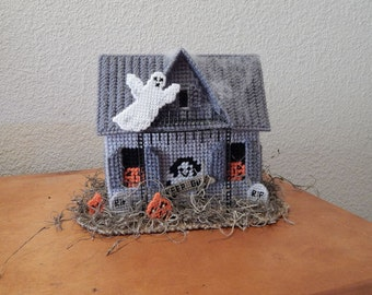 Plastic Canvas Haunted House Candy Holder
