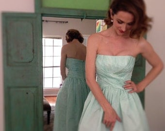 Victor Costa Strapless Dress/Gown in Seafoam Green w/ Ruched Bodice Sz 0