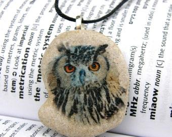 Owl necklace, Owl pendant, owl charm, owl beach stone, owl jewelry, stone,beach stone,painted stone necklace, aquarelle