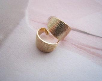 Small hoop earrings, Gold hoops, Texture hoops, Wide mini hoops, Open hoops, Hoop earrings, Every day hoops, Every day earrings