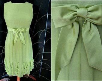 Green Silk Ruffled Dress / fits S / Mod style / satin bow / apple green / green vintage dress
