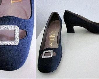 I MILLER vintage 60s shoes / sz 6B / 1960s pilgrim pumps / rhinestone buckle