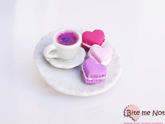 Macaroons and Passion Fruit Tea Brooch Mini Food Jewelry, Macaron Brooch, Macaron Jewelry, Mini Heart Macaroon, Dollhouse Miniature