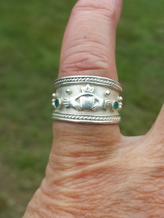 vintage genuine emerald claddagh made in ireland sterling ring