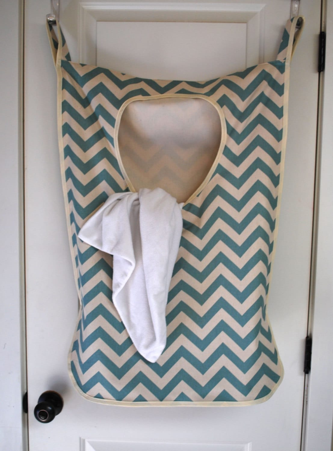 laundry bag hamper hangingblue chevron fabric. Black Bedroom Furniture Sets. Home Design Ideas