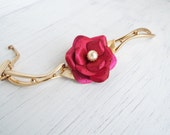 Vintage bracelet/Prom bracelet/Pink bracelet/Gold tone bracelet/Floral bracelet/Metal bracelet/Flower bracelet/Feminine bracelet