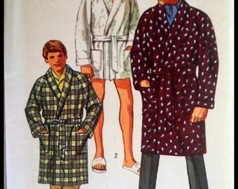 """Simplicity 8470  Men's Robe in two lengths  Size 38-40"""""""
