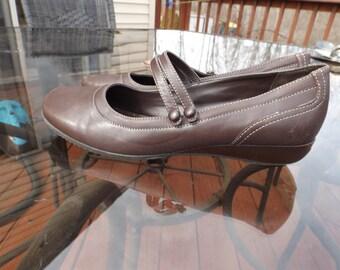 Leather Croft & Barrow Women shoes heels 9.5 Med ,  Brown. Elegant Gift