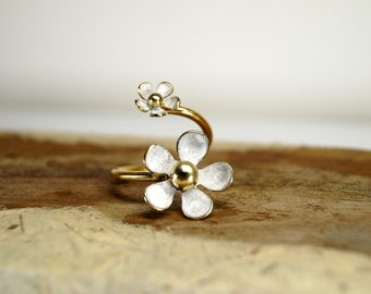 White daisy adjustable ring , Sterling silver daisy ring , Gold plated brass ring , Spring ring , White ring , open ring