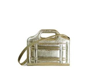 SALE 1960s Metallic Gold Lame Super Shiny Shoulder Bag / Space Age Purse
