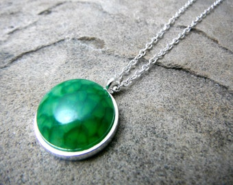 Green Agate Necklace, Green Necklace, Green Pendant Necklace, Agate Pendant Necklace, Agate Jewelry, Green Gemstone Necklace