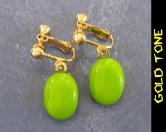 Lime Green Clip On Earrings, Dangle Clip Earrings, Light Green ClipOn Earrings, Fused Glass Jewelry, Simple Green Jewelry - Peggy - 340 -4
