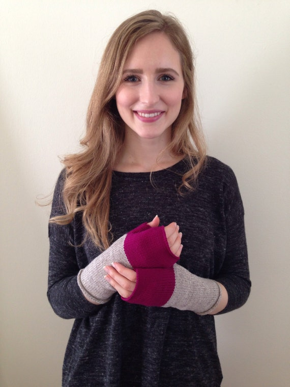Fingerless Mittens Hand Warmers Wool Fine Gauge in Colorblock in Oatmeal and Fuschia