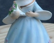 Vintage Schmid Porcelain Girl Holding Flowers Music Box / Schmid Brothers Inc 1963 Music Box/ Japan Porcelain Music Box /Best Gift Idea/F377