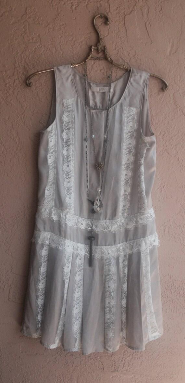 Лаванда серебро шелк Гэтсби падение талии платье с деталями кружева романтической богемы цыгана