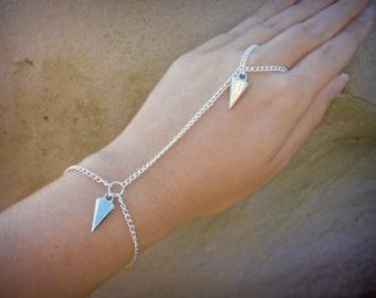 Spike Triangle hand harness bracelet ⁓ ring & bracelet