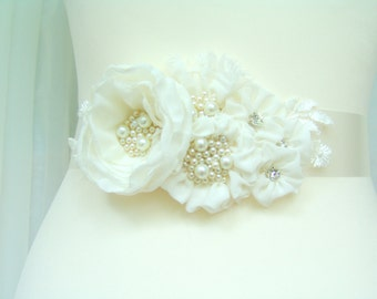 Bridal ivory sash, floral sash, flowers sash wedding pearls rhinestone sash, ivory flower romantic wedding accessories lace