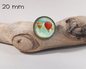 Balloon vintage pin 20 mm diam. Glass dome on pin