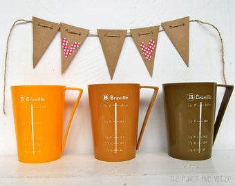 3 x Retro Breville Plastic Measuring Cups in Fab Brady Bunch Colours . yellow mustard olive . australia . kitsch