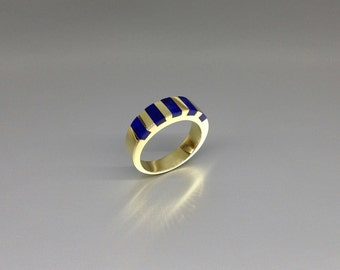 Beautiful Lapis Lazuli ring set in 18K Gold with deep blue color - gift idea - beautiful striped band - AAA Grade afghan Lapis