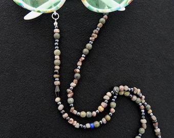 Dark natural stone glasses necklace