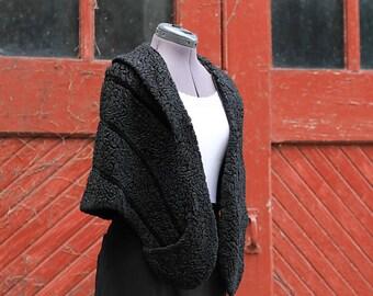 Vintage 1950's Black Faux Lambs Wool Vegan Fur Stole / Shrug / Cape