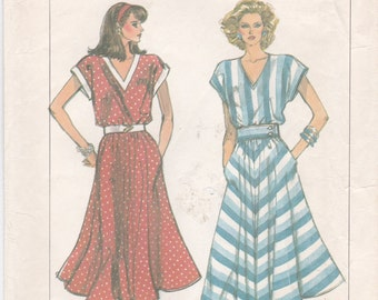 Loose-Fitting V-Neck Flared Dress Simplicity Sewing Pattern 7945 Misses' Size 6 8 10 12