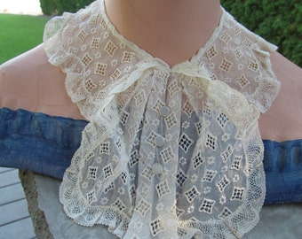 1930s Lace Jabot with Pearl Buttons