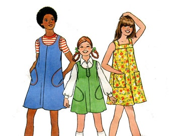 1970s Girls Dress Pattern Summer Tent Dress or Jumper Scoop or Square Neck Sleeveless Play Simplicity 7370 Size 7 Vintage Sewing Pattern
