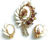 Vintage Juliana, D&E Verified Delizza Copper or Gold Fluss Milk Glass, Amber and Aurora Borealis Rhinestones Leaf Brooch and Earrings Set