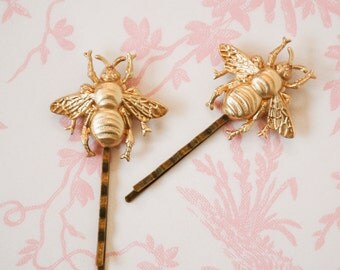 Bee Bobby Pins, Gold Bee Hair Pins, Bumblebee Bobby Pin, Woodland Wedding, Honeybee Hair Clips, Garden Wedding, Bridal Hair, Bridesmaid Gift