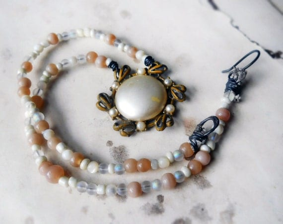 25 DOLLAR SALE || Beaded Necklace -- Rustic Cream and White - Vintage Pearl Cabochon Pendant - Glass, Mother of Pearl - Rustic Necklace