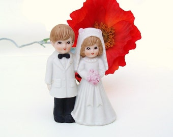 Vintage Cake Topper, Bride and Groom, Bride Groom Figurine, Wedding Decor
