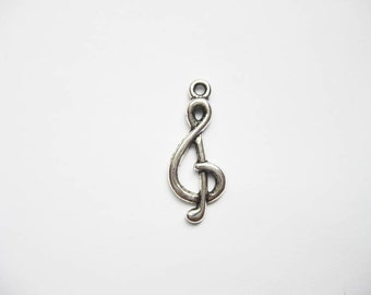 8 Music Note Charms in Silver Tone - C1784