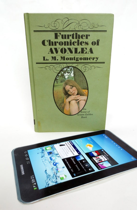 are you able to examine books on kindle fire hd