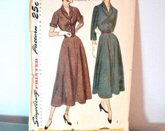 1940s Vintage Simplicity Pattern 2961 Misses One Piece Dress size 18 bust 36