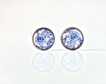 18mm Blue and White Porcelain Flower Stud Earrings, Blue Porcelain Pattern Studs,  Blue Flower Stud Earrings, Blue and White Post Earrings