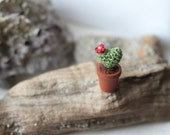Cactus heart mimiature crochet plant in wooden pot, collectable, amigurumi, dollhouse miniature 1/12, cactus with red flower fake plant