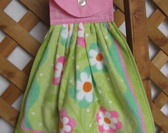 Spring Floral Kitchen Tea Towel U-Pick Top Color Pink and Green Floral Hanging Kitchen Dish Towel SnowNoseCrafts