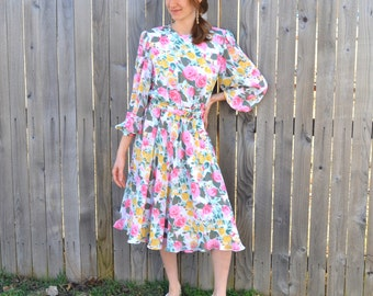 Flowy Floral Fancy Dress Vintage 1970s Irene Herberts Flower Garden Tea Party Bridesmaid Easter Sunday Church Kentucky Derby Spring Fashion